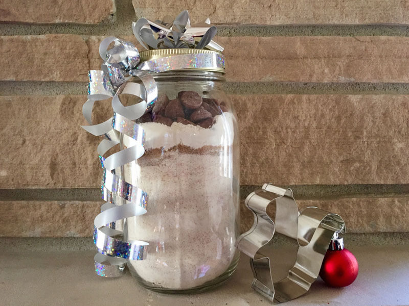 c020b3f69bc7 DIY Gift Alert: Dog Biscuit Mix in a Jar   Woof Report   The best ...